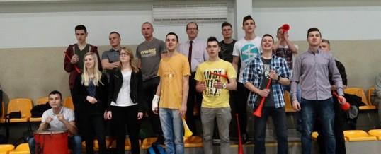 Drużyna siatkarzy w finale licealiady województwa kujawsko-pomorskiego w piłce siatkowej