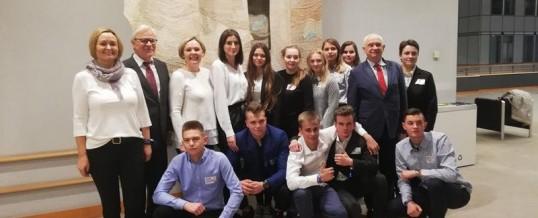 Uczniowie włocławskiej Budowlanki na posiedzeniu młodzieżowego Parlamentu Europejskiego w Brukseli